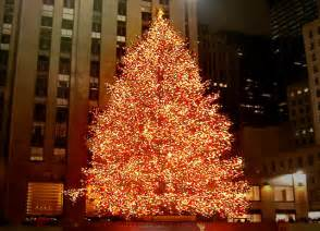 nyc rockefeller center christmas tree goes green