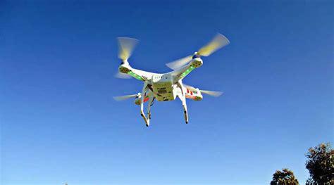 Drone Fotografi unik aksi penyelamatan drone menggunakan drone lainnya saveseva fotografi
