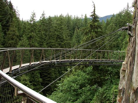 swinging heaven canada file capilano suspension bridge cliff walk 8965 jpg