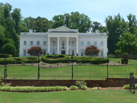 atlanta white house atlanta white house monument landmark 3687 briarcliff road in atlanta ga tips