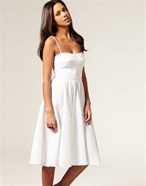 5 Pretty White Things To Wear From Around The World by White Sundresses For