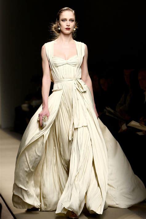 Bottega Veneta Stylish From Milan Fashion Week by Raquel Zimmermann In Bottega Veneta Milan Fashion Week