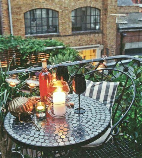 tisch und stühle für balkon balkon bepflanzen 60 originelle ideen