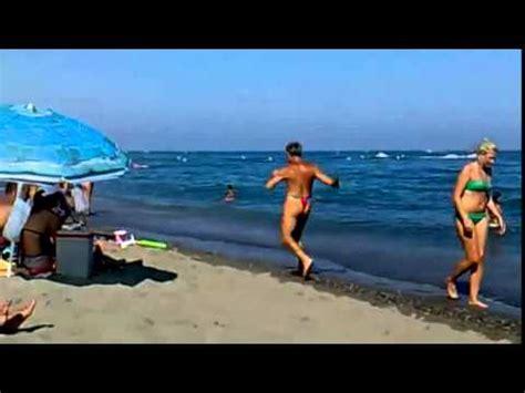 imagenes chistosas en la playa videos de caidas chistosas s 243 lo otro d 237 a wtf en la playa