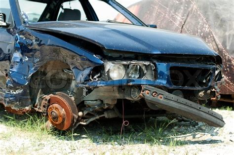 Auto Verschrotten Preis by Defekte Auto Zur Verschrottung Stockfoto Colourbox