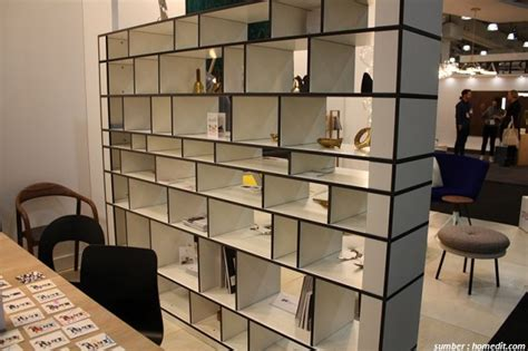 Rak Buku Dinding Cantik desain rak modern ini bikin buku yang dipajang tambah