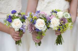 Seasonal Guide to Summer Wedding Flowers   Confetti.co.uk