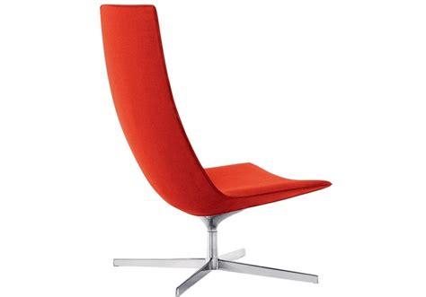 chaise ée 70 catifa 70 arper poltrona lounge con base a 4 razze milia