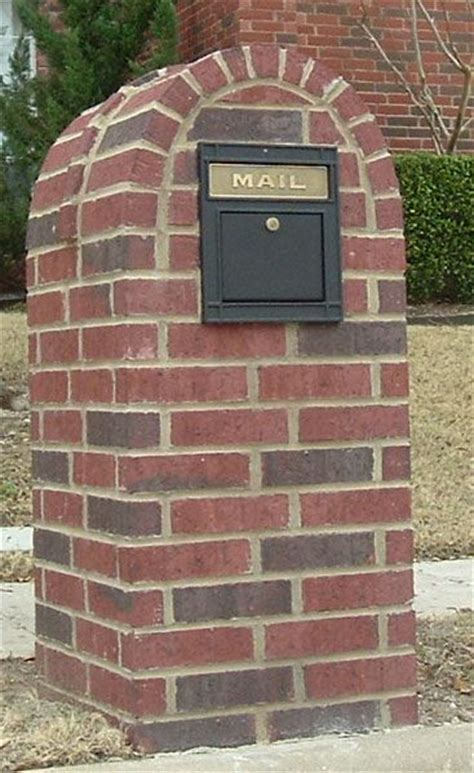 Brick Mailbox With Planter by Planters Brick Mailbox And Bricks On