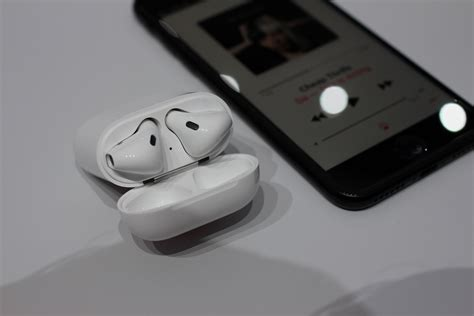 lada senza fili lade senza fili le airpods di apple arrivano in italia wired