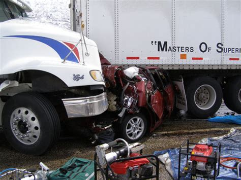 smart cars in accidents tractor trailer driver fatigue dangerous driving