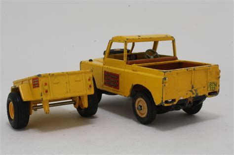 land rover britains britains land rover series 3 trailer autoway yellow