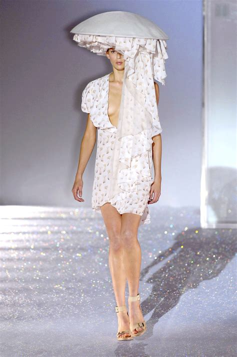 Fashion 2007 It List They Say by Hussein Chalayan At Fashion Week 2007 Livingly