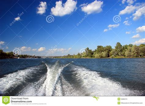 speed boat wake boat wake stock image image of drive bridge nature