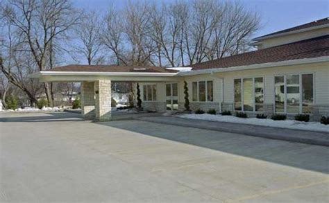 Bickford Cottage Iowa City by Iowa City Ia Assisted Living Facilities From Seniorliving Org