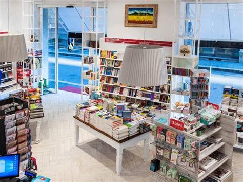 librerie mondadori punti vendita mondadori cerca affiliati in puglia la possibilit 224 di
