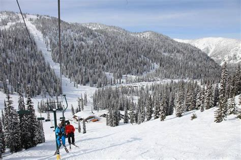Willie Nelson Backyard Canada S Hippie Outpost And Its Killer Backyard Ski