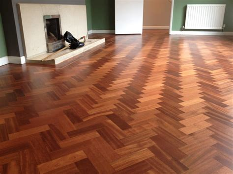Merk Cat Tembok Tekstur parquet flooring back in style parquet flooring and