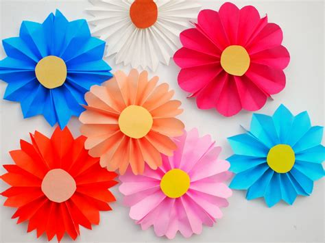 Flower With Paper - easy diy for your accordion paper flowers