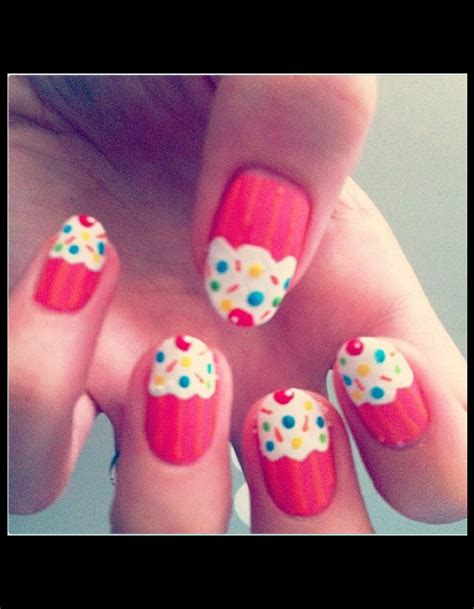 Ongles Nail by Ongles Cupcakes Vernis Les Quot Nail Artists Quot C Est Vous
