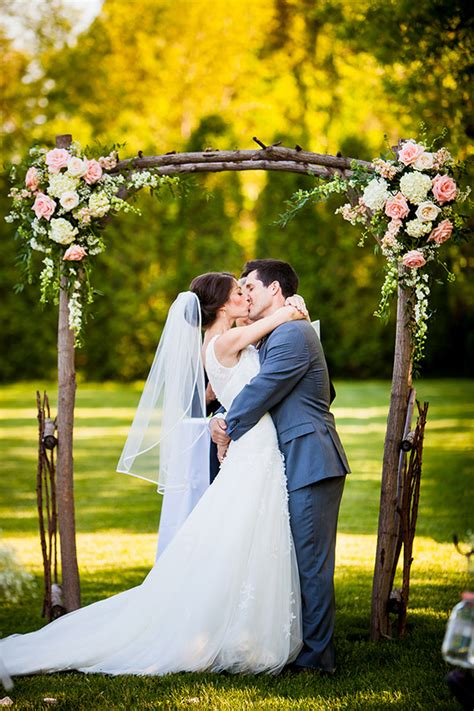 Wedding Arch Simple by 25 Chic And Easy Rustic Wedding Arch Ideas For Diy Brides