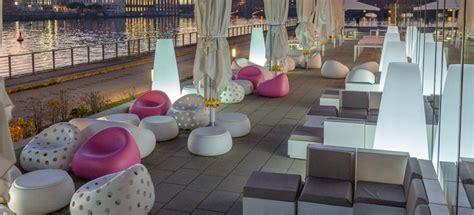 noleggio tavoli e sedie napoli sedie tavoli e sgabelli per arredare bar e ristoranti