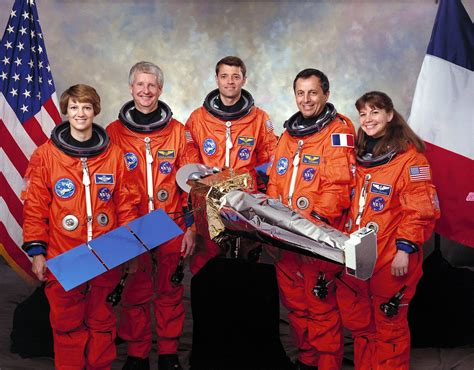 The Book Of Sts restart shuttle fwd remembering sts 93 flight