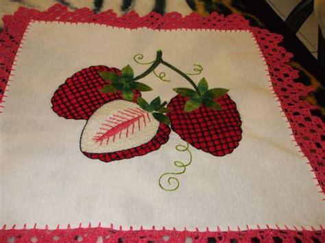 bordados de frutas en servilletas fresas en bordado fantasia punto de cruz bordados