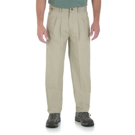 wrangler rugged wear relaxed fit wrangler rugged wear 174 relaxed fit angler pant 50w x 30l khaki