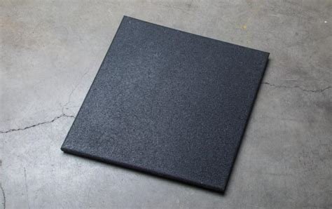 1 Inch Rubber Floor Tiles by Rubber Tile 24 Quot X24 Quot X1 5 Quot Rogue Fitness