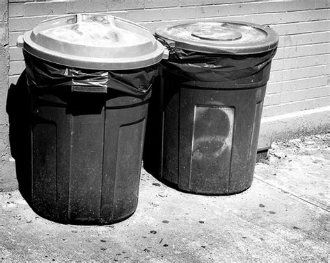 Garden City Ny Garbage Collection Trash Cans Flickr Photo
