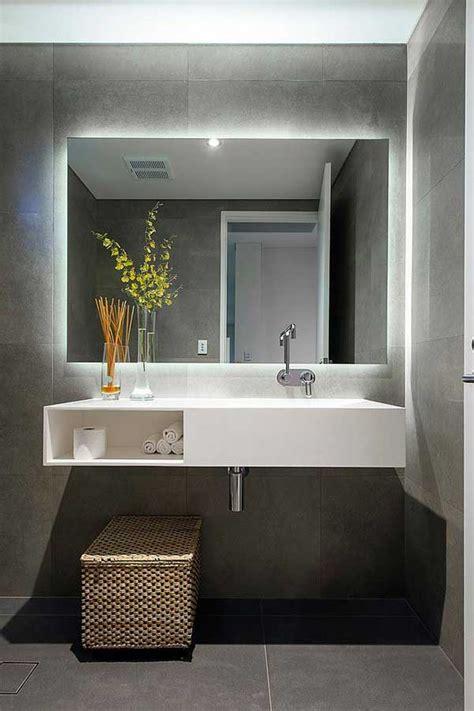 illuminazione specchio bagno led arredo bagno led illuminare il bagno con i led