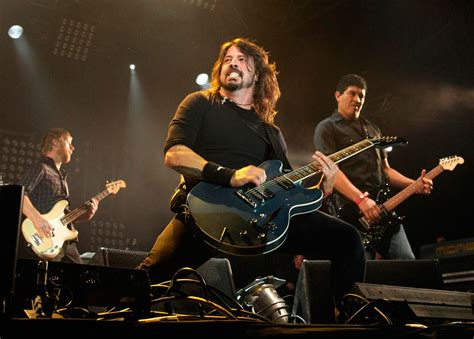 Kaos Band Rock Foo Fighters Wasting Light Foo26 Bk foo fighters bring day of radio 1 s big weekend to a nme
