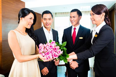 welcoming guests keep guests coming back to your independent hotel time