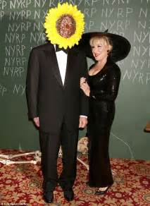 bette midler spouse bette midler shows cleavage in witch s gown for