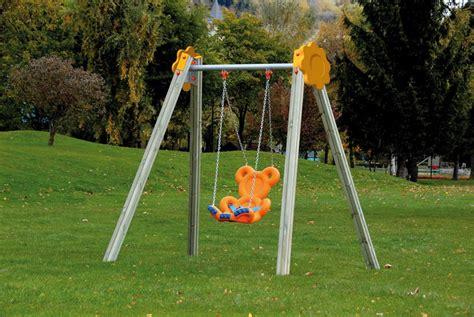 kinderschaukel mit gestell kinder schaukel din en 1176 171 teddyschaukel oxi