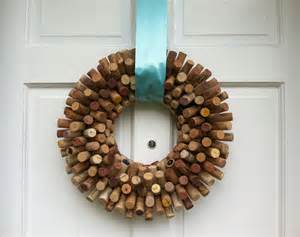 And voila a lovely wine cork wreath to hang on my front door for a