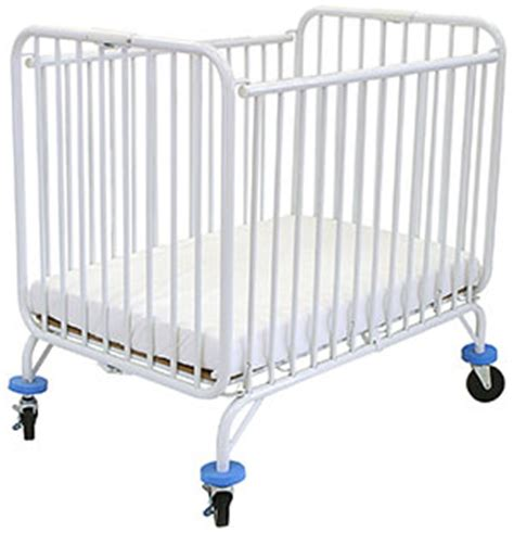 best portable baby crib best portable crib guide reviews baby gear guide