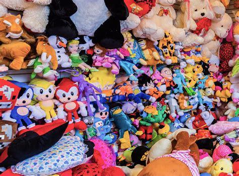 Boneka Pikachu Wisuda Boneka Groot Boneka Bantal Mobil Panda Line boneka jasa pembuatan boneka souvenir jakarta