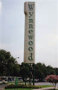 wynnewood shopping center sign oak cliff dallas