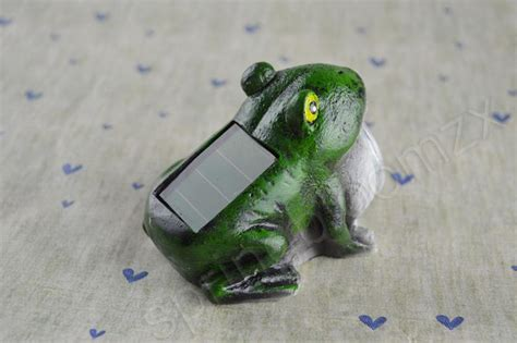 Outdoor Solar Powered Frog Led Light Garden Yard Pool Yard Solar Frog Light