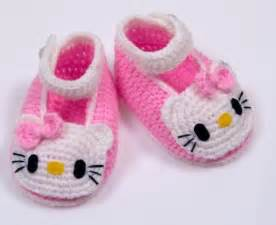 Hello kitty crochet booties pattern via ravelry