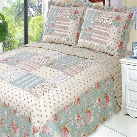 Luxury Patchwork Quilts - country cottage floral patchwork quilt coverlet set
