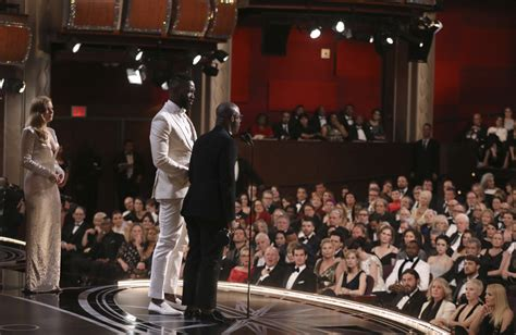 Oscars Forget by Advocacy Groups Forget Oscars Snafu Focus On Moonlight