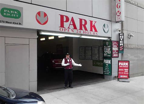 official intrepid museum parking parking near circle line parking near world yacht