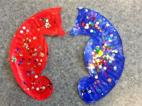 Seahorse Paper Plate Craft - paper plate seahorse crafts