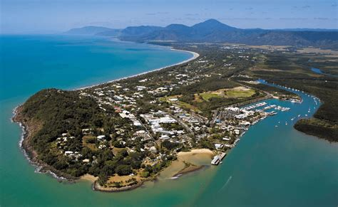 port douglas to cairns 30 minute scenic reef flight cairns australia