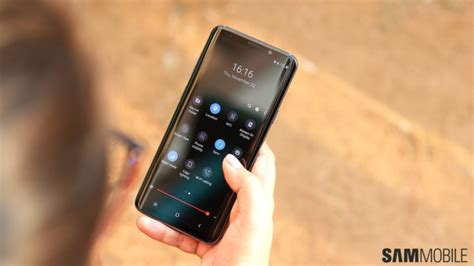 galaxy  model number sm  possibly revealed