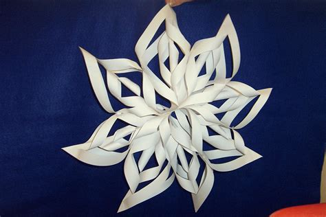 Paper Snowflakes 3d - 3d paper snowflakes clever crafters