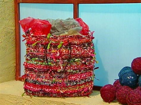 how to knit with plastic bags recycled plastic carryall diy